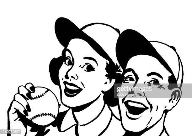 Couple portant des chapeaux de Baseball