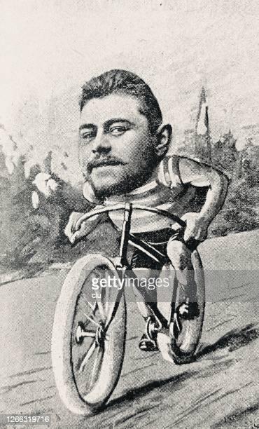 illustrations, cliparts, dessins animés et icônes de modèle comique d'homme de cycliste sur la route, grande tête - velo humour