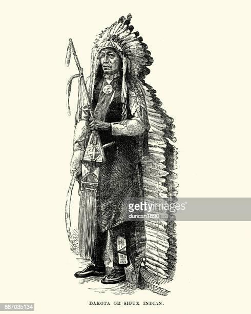 ilustraciones, imágenes clip art, dibujos animados e iconos de stock de dakota, sioux, nativo americano, en penacho, siglo xix - indios americanos sioux