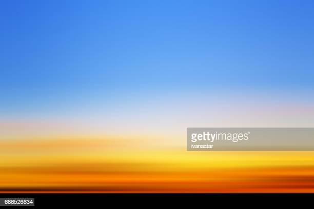 ilustraciones, imágenes clip art, dibujos animados e iconos de stock de defocused vista de puesta del sol - puesta de sol