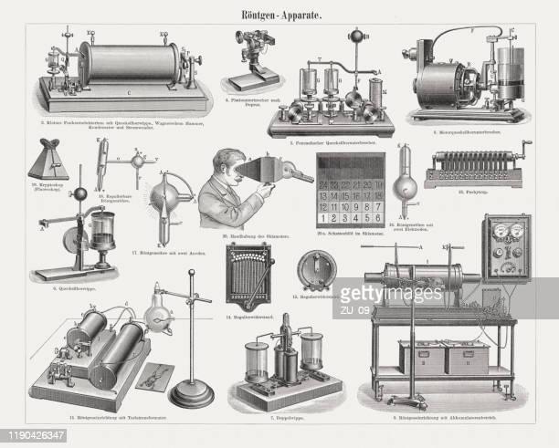 frühe röntgengeräte, holzstiche, erschienen 1899 - film and television screening stock-grafiken, -clipart, -cartoons und -symbole