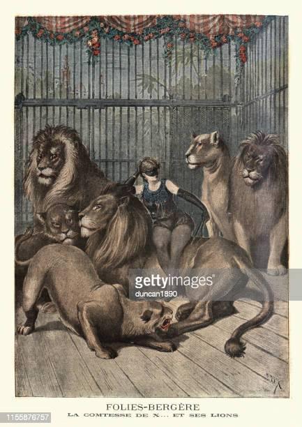 ilustrações, clipart, desenhos animados e ícones de domador fêmea do leão com seus leões, folies bergere, 19o século - arte, cultura e espetáculo