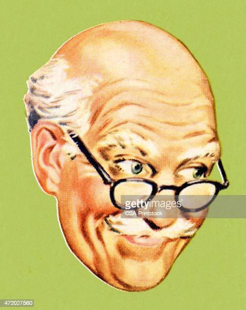 Grandpa sonriendo y mirando a la derecha