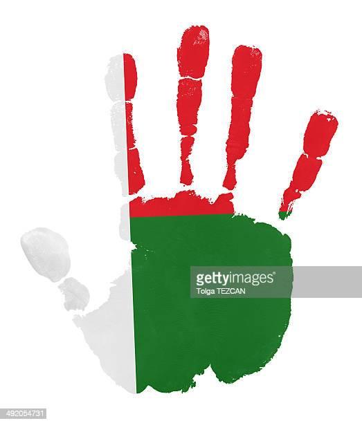 ilustrações, clipart, desenhos animados e ícones de mãos com bandeira de madagascar - madagáscar