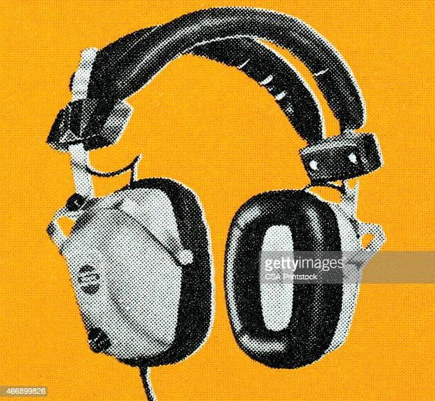 ilustrações, clipart, desenhos animados e ícones de fones de ouvido - escutando