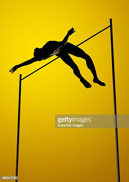 ilustraciones, imágenes clip art, dibujos animados e iconos de stock de high jumper above the pole - salto de altura