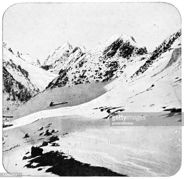 フランスのピレネー山脈の高い - 19世紀 - 冠雪点のイラスト素材/クリップアート素材/マンガ素材/アイコン素材