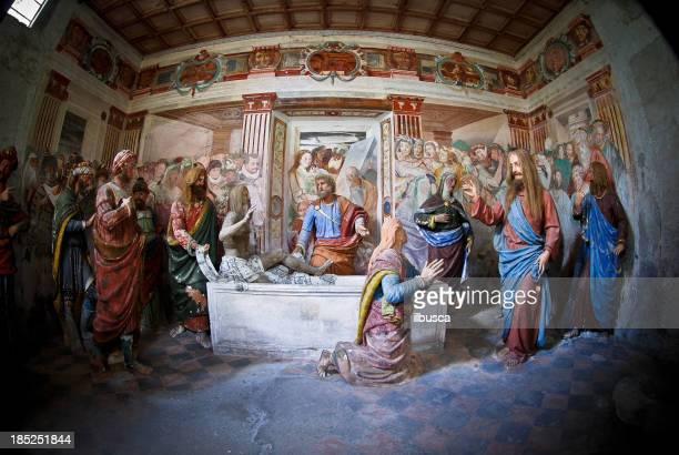 stockillustraties, clipart, cartoons en iconen met lazarus resurrection - kapel