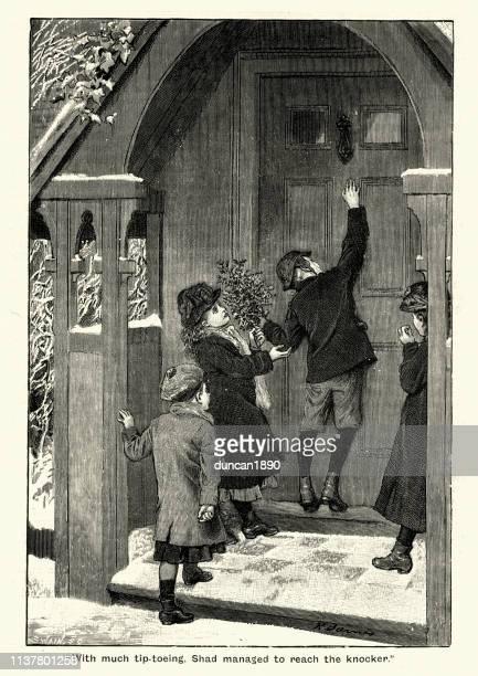 illustrations, cliparts, dessins animés et icônes de petits enfants frappant sur une porte, victorien, 19ème siècle - marteaudeporte