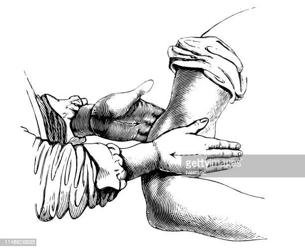 腕をマッサージ - マッサージ師点のイラスト素材/クリップアート素材/マンガ素材/アイコン素材