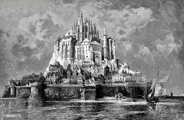 ilustrações, clipart, desenhos animados e ícones de mont saint-michel, normandia, frança - ilustração em preto e branco antigo - 1887