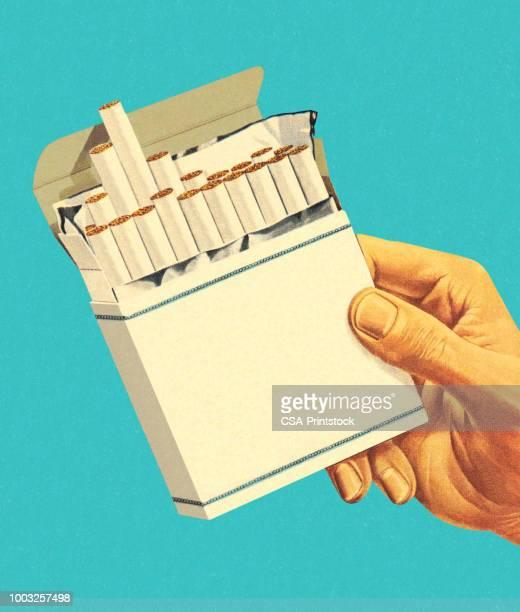 ilustraciones, imágenes clip art, dibujos animados e iconos de stock de paquete de cigarrillos - cigarrillo