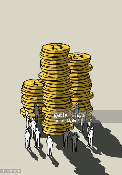 people looking up at tall bitcoin stacks - 仮想通貨マイニング点のイラスト素材/クリップアート素材/マンガ素材/アイコン素材