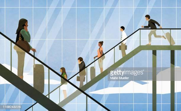 ilustraciones, imágenes clip art, dibujos animados e iconos de stock de people riding airport escalators - grupo mediano de personas