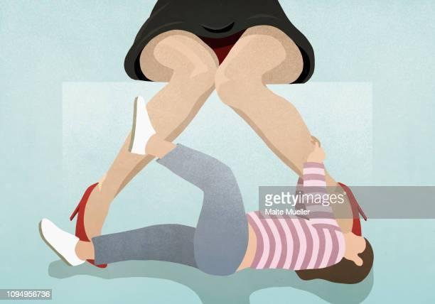 ilustraciones, imágenes clip art, dibujos animados e iconos de stock de playful child pulling at mothers legs - madre trabajadora