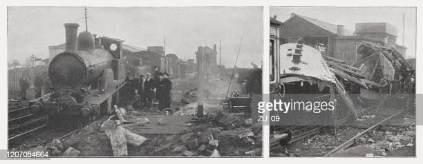 ●イギリス・チェルフォードの鉄道事故(1894年)、ハーフトーンプリント、1895年に出版 - 1900~1909年点のイラスト素材/クリップアート素材/マンガ素材/アイコン素材