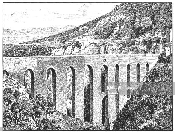 spoleto, ponte delle torri, a striking 13th-century aqueduct and one of the major landmarks of the historic city in the province of perugia (umbria, italy) - aqueduct stock illustrations, clip art, cartoons, & icons
