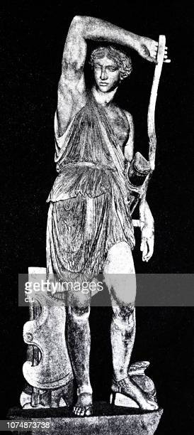 statue of female warrior, amazon - classical greek style stock illustrations