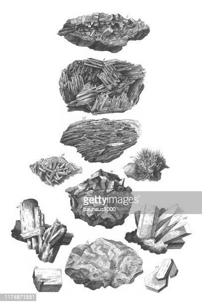バリタの硫酸塩、アンモニアの硫酸塩、コッペラス、ストロンティアナイト、アラム、亜鉛の硫酸塩、ロックソルト、アルカリのリン酸塩、ミネラルとその結晶形彫刻アンティークイラスト� - 亜鉛点のイラスト素材/クリップアート素材/マンガ素材/アイコン素材