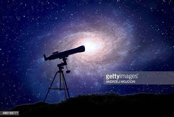 ilustraciones, imágenes clip art, dibujos animados e iconos de stock de telescope and galaxy, artwork - galaxiaespiral