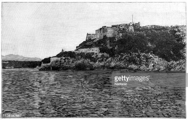 stockillustraties, clipart, cartoons en iconen met het castillo de san pedro de la roca (ook bekend onder de minder formele titel van castillo del morro of san pedro de la roca castle) is een fort aan de kust van de cubaanse stad santiago de cuba - pedo