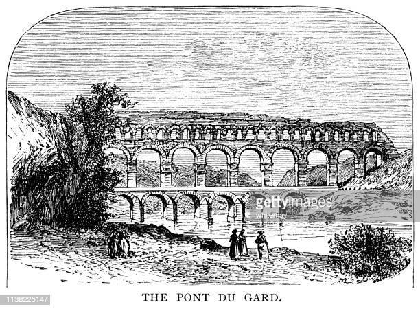 フランス南部の古代ローマの水道橋、ポン・デュ・ガール - ポン・デュ・ガール点のイラスト素材/クリップアート素材/マンガ素材/アイコン素材