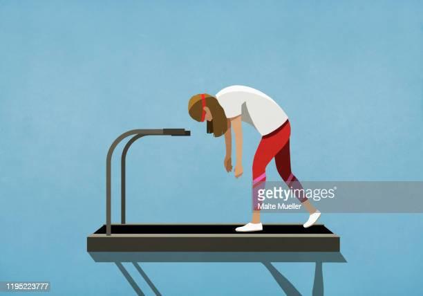 tired woman walking on treadmill - 退屈点のイラスト素材/クリップアート素材/マンガ素材/アイコン素材