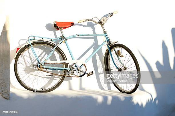 vintage bicycle - the past stock illustrations