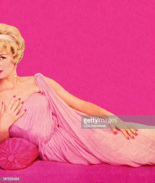 stockillustraties, clipart, cartoons en iconen met woman in pink dress reclining - sensualiteit