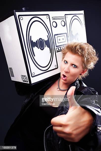 ilustraciones, imágenes clip art, dibujos animados e iconos de stock de retrato de mujeres - mujer escuchando musica