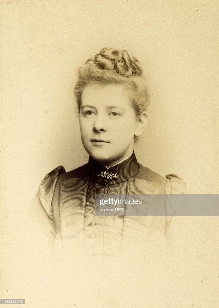 Young Victorian Woman Old Photograph : Stock Illustration