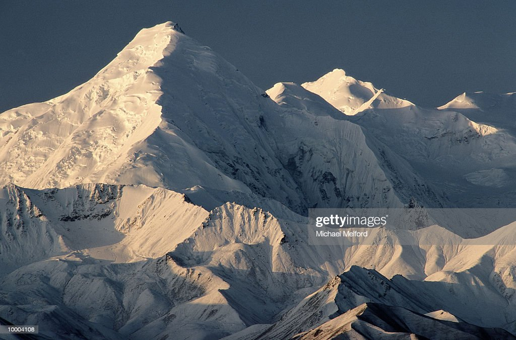 MOUNTAIN BROOKS WITH SUNLIGHT AT DENALI NATIONAL PARK IN ALASKA : Stock Photo