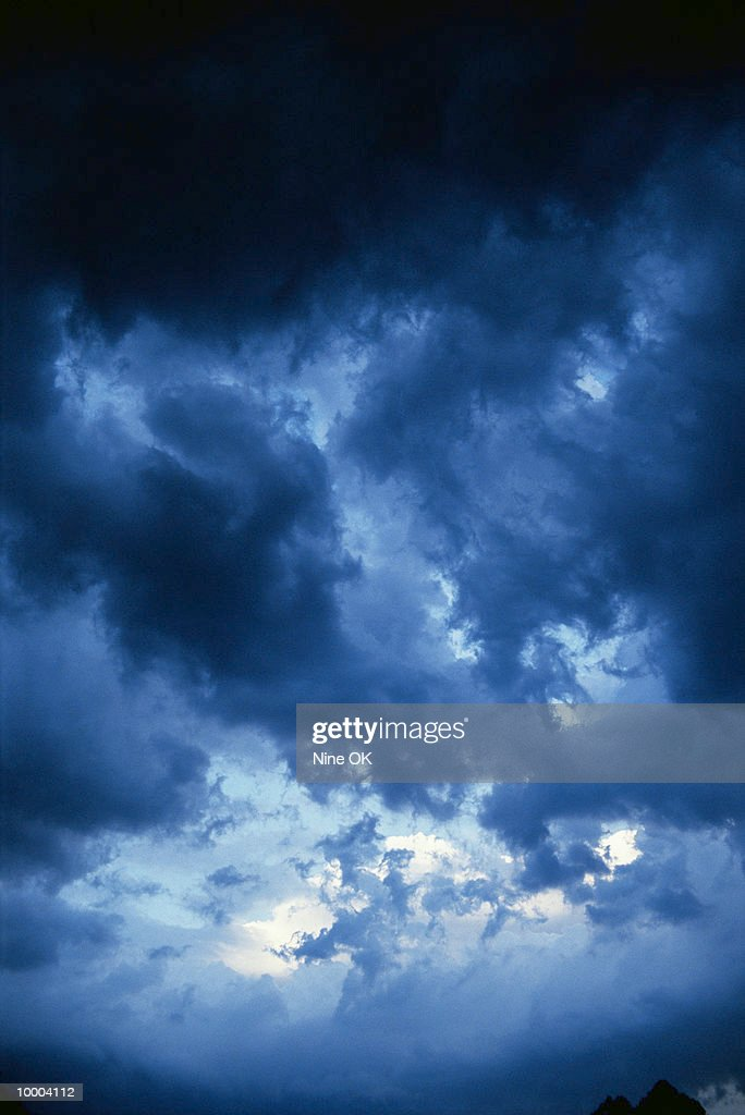 DARK CLOUDS : Stock-Foto