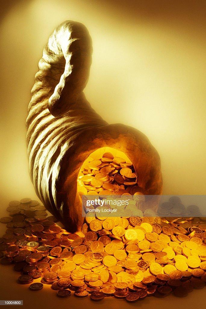 CORNUCOPIA OF UNITED KINGDOM COINS : Stock Photo
