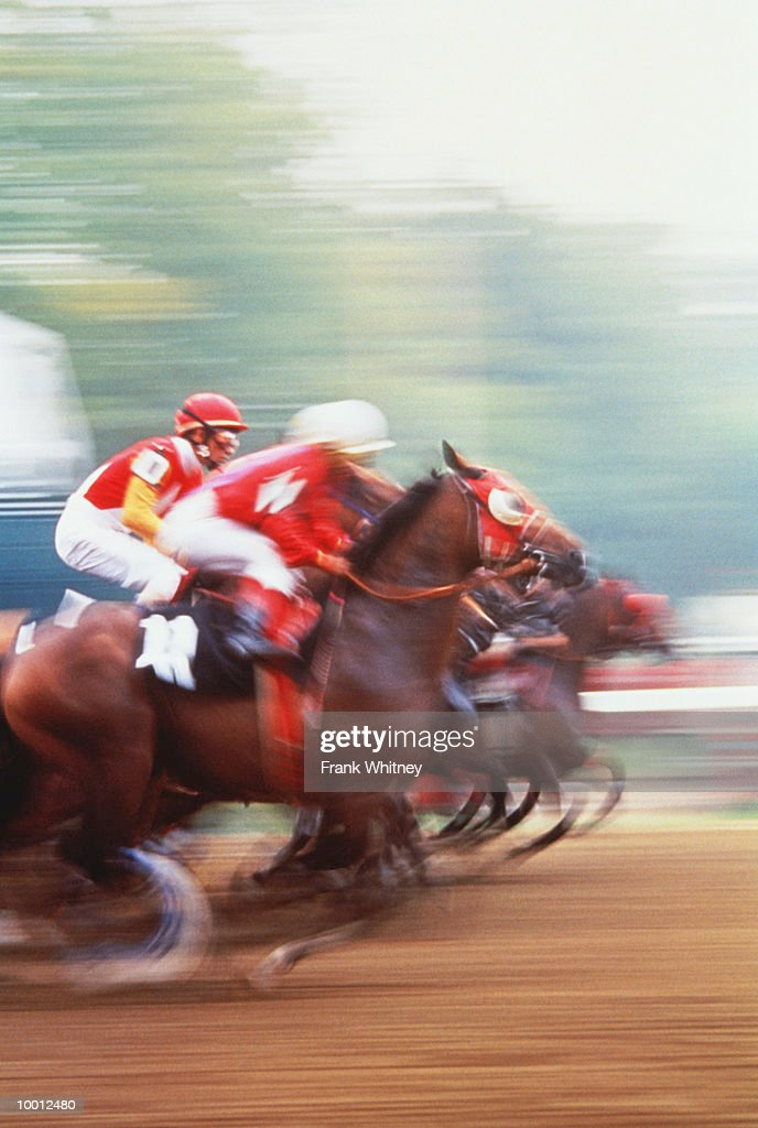 HORSE RACING IN NEW YORK IN BLUR : Stock-Foto