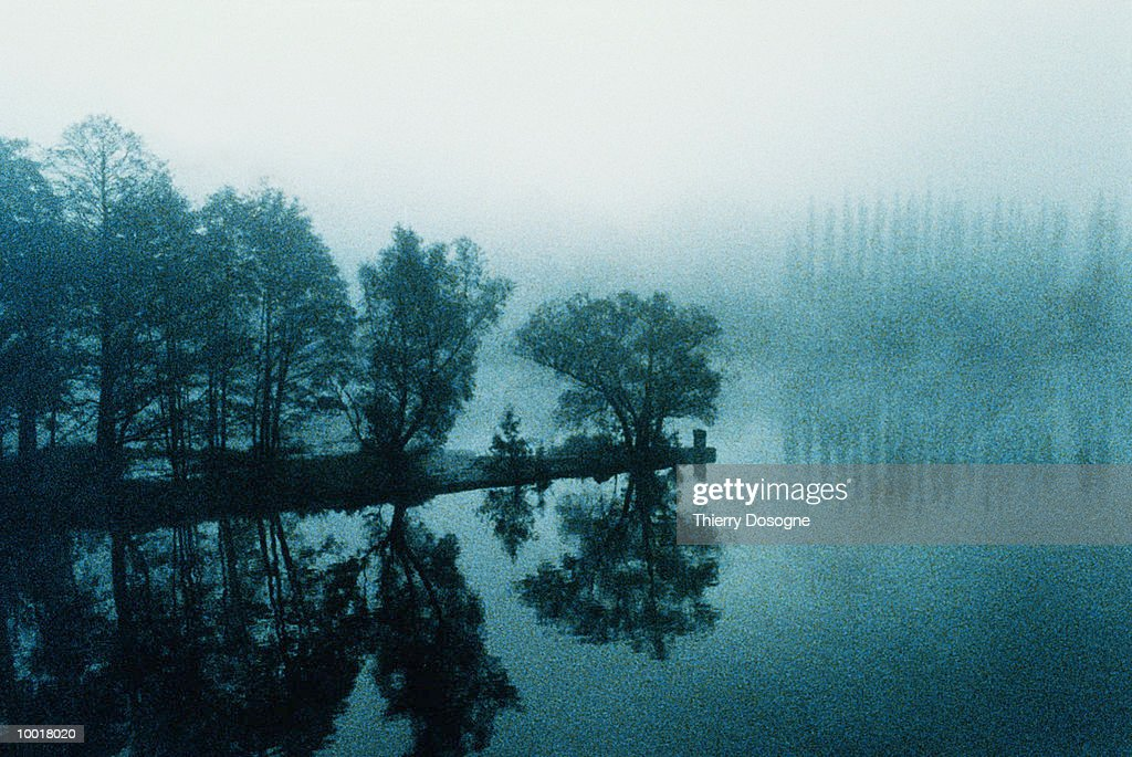 ISLE IN THE MIST : Stockfoto
