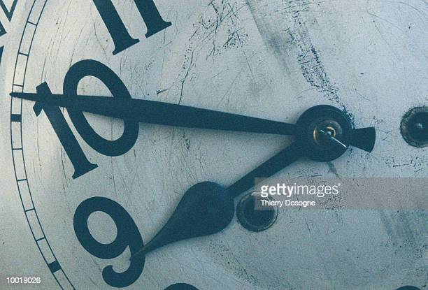 CLOCK IN DETAIL