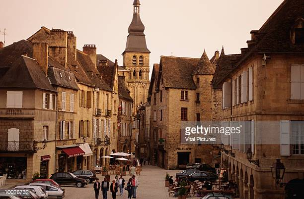 sarlat medieval town in perigord, france - sarlat stock photos and pictures