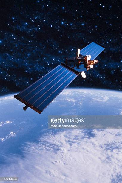 communications satellite with earth - 人工衛星 ストックフォトと画像