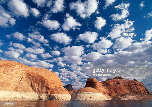 LAKE POWELL NEAR RAINBOW BRIDGE, UTAH