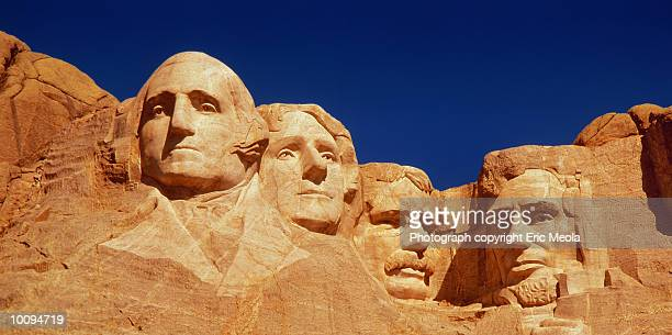 mount rushmore in  south dakota - us president stock pictures, royalty-free photos & images