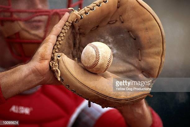 baseball - キャッチャーミット ストックフォトと画像