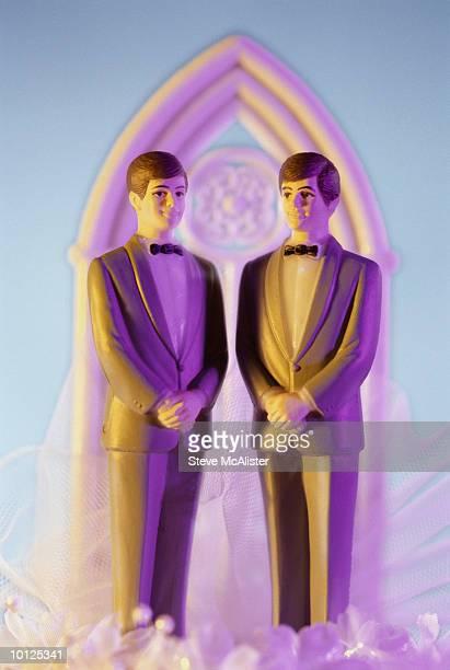 GAY WEDDING CAKE ORNAMENT
