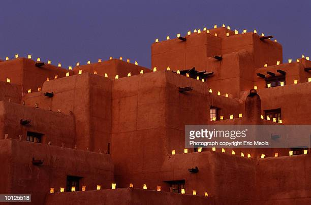 luminaries in santa fe, new mexico - santa fe new mexico stock pictures, royalty-free photos & images