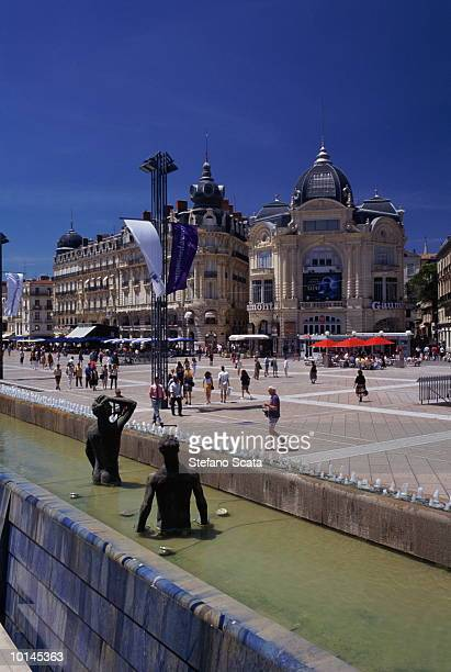 STATUES, COMEDIE SQUARE, MONTPELLIER, FRANCE