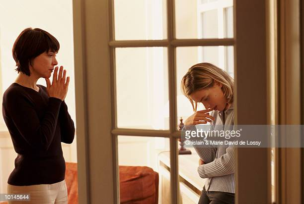 mother and daughter, stressful conversation - arguing stock pictures, royalty-free photos & images