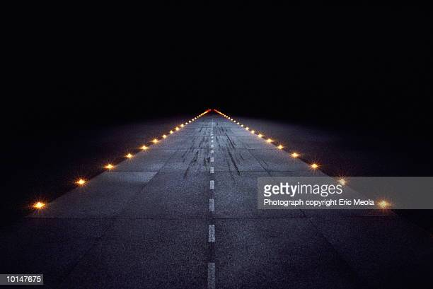 jet runway - airport runway stock pictures, royalty-free photos & images