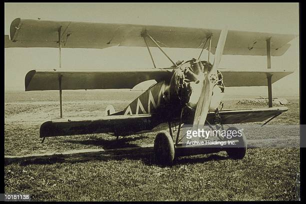 fokker tri-plane dr-1, world war i, circa 1920s - wwi plane stock pictures, royalty-free photos & images