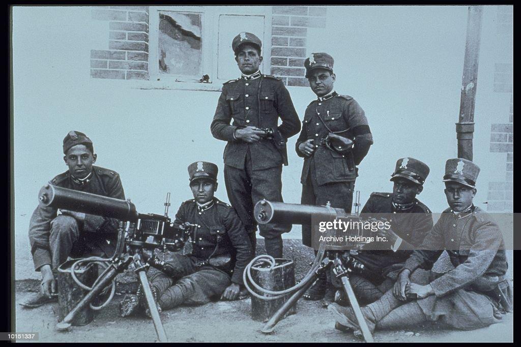 ITALIAN TROOPS, WORLD WAR I, 1915 : Stock Photo
