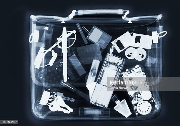 X RAY OF BUSINESSWOMAN BAG